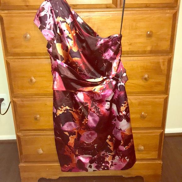Tahari Dresses & Skirts - Dress